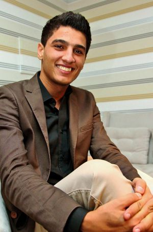 El ganador de Arab Idol Mohamed Assaf en una foto de estudio.
