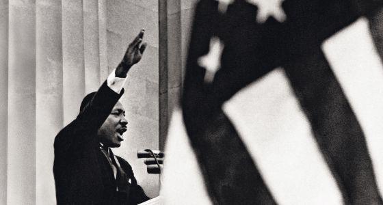 """Martin Luther King se dirige a cientos de miles de personas el 28 de agosto de 1963: """"Tengo un sueño""""."""