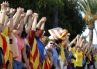 "Minister expresses ""concern"" over Catalonia human chain"