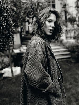 Léa Seydoux con abrigo de Rochas.