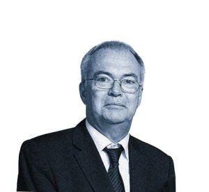 Paul Jean-Ortiz. Asesor diplomático del presidente de Francia y negociador especial en las cumbres del G-8, Paul Jean-Ortiz es nieto de una madrileña e hijo de un albaceteño de origen galo. Es licenciado en Filología China.