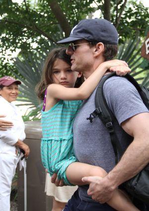 Tom Cruise defiende su labor como padre