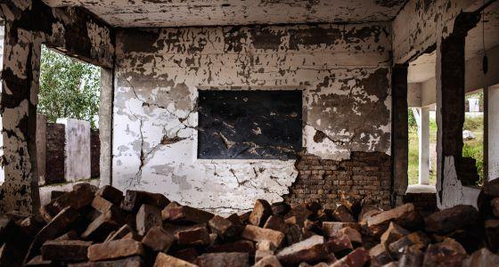 Devastación en la escuela Primary Government School Kadi. Los talibanes atacaron el centro enagosto de 2012.