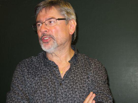 Óscar Rivas durante su charla en Ecologistas en Acción.