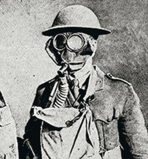 El empleo de máscaras antigás se generalizó entre los soldados ante la producción masiva.