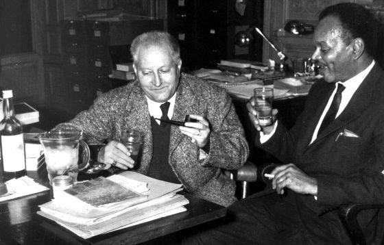 Chester Himes junto a Jean Giono.
