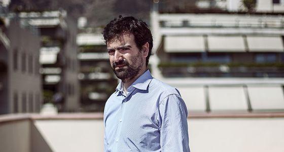 Ramón Saltor ha tocado los extremos en su vida profesional: de la gran banca a las ONG. Tras unos años en el Londres financiero, cogió la mochila y dio la vuelta al mundo. A su regreso fundó una de las primeras plataformas de financiación colectiva para startups, TheCrowdAngel.