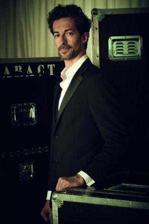 José Carlos Matínez, director artístico de la CND desde diciembre de 2010, vestido de Loewe.
