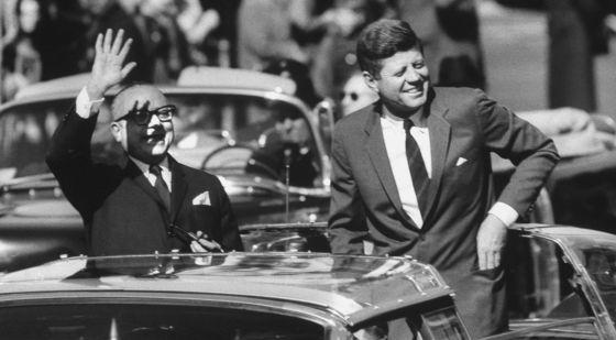 Rómulo Betancourt con Kennedy.