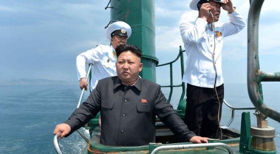 Kim Jong-un, a bordo de un submarino.