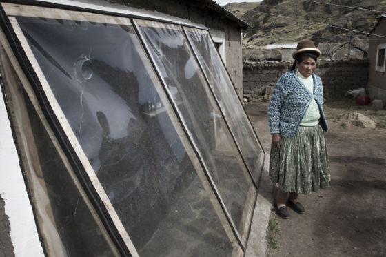 Un muro especial y el sellado de los techos eleva la temperatura de las viviendas hasta 12ºC en el frío invierno en el altiplano andino.