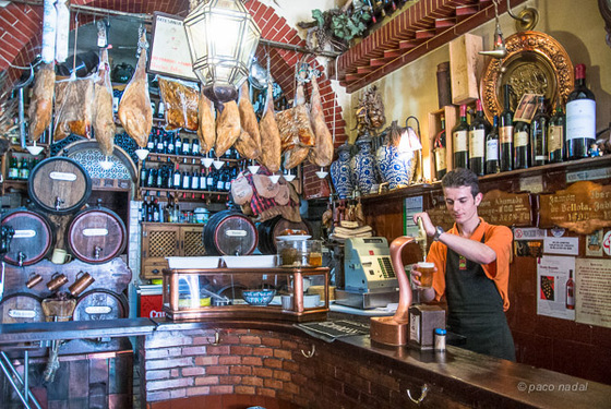 10 bares cojonudos de granada blog paco nadal el pa s - Decoracion bares de tapas ...
