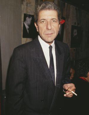 Leonard Cohen en París en 1987.