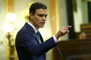 Socialist leader Pedro Sánchez is talking tough on corruption but refusing to sign a deal with the ruling PP.