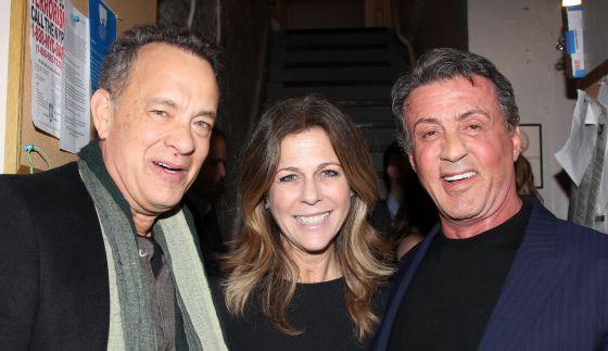 Tom Hanks, su mujer, Rita Wilson y Sylvester Stallone en la presentación del musical 'Rocky'.rn rn