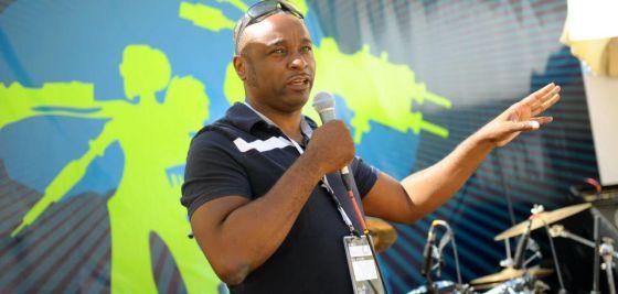 El nigeriano Emeka Okafor, uno de los referentes del movimiento 'maker' africano.