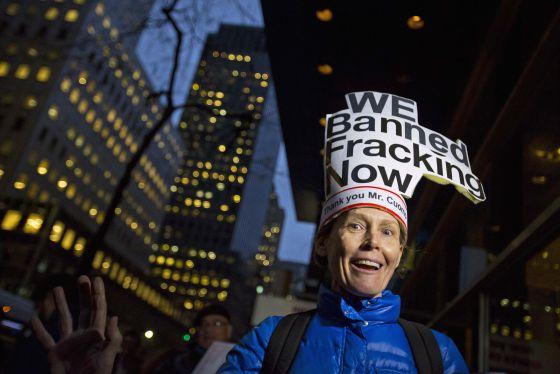 Celebración en Nueva York después de que el gobernador anunciara en diciembre la prohibición del fracking en el estado.