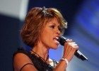 La familia de Whitney Houston contra su polémica película