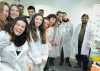 La saliva de 2.000 adolescentes españoles, a examen