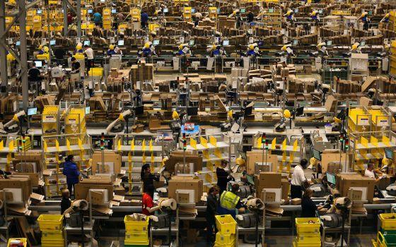Centro de distribución de Amazon en Reino Unido.