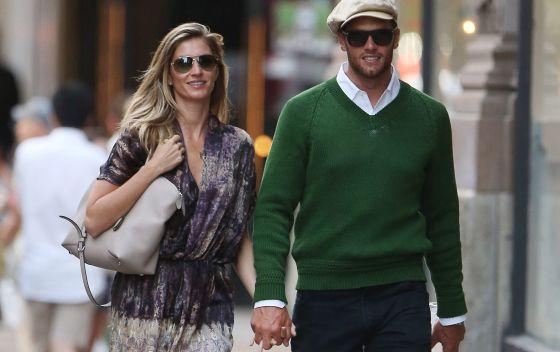 Gisele Bündchen y Tom Brady pasean en Nueva York en junio.
