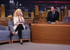Christina Aguilera imita a Cher, Britney Spears y Shakira