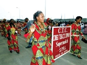 Celebración del Día de la Mujer por parte de la Congo Tobacco Company en 2012.