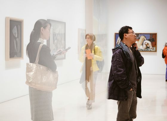Visitantes del Museo Picasso de Málaga, que acoge la colección de Christine y Bernard Ruiz-Picasso. / GIANFRANCO TRIPODO