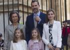 La familia real cumple con la tradición de la Pascua