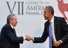 Obama y Castro, un saludo histórico