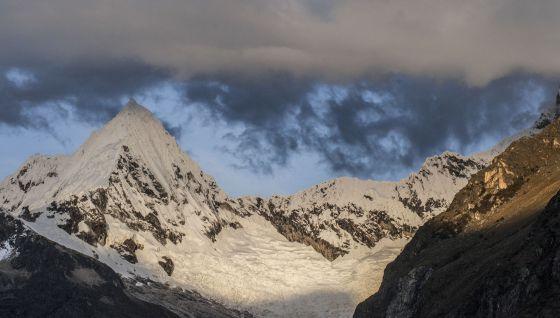 Como en otras zonas del mundo, el retroceso glaciar avanza en la Cordillera Blanca. El cambio climático lo agudiza y puede aumentar el riesgo de desastres.