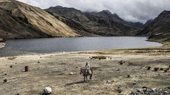 Las lagunas glaciares han sido drenadas por años, para evitar desastres. Pero en los últimos años se ha puesto en valor su potencial hidroeléctrico.