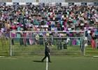 5.000 vestidos y faldas para denunciar las violaciones en la guerra de Kosovo