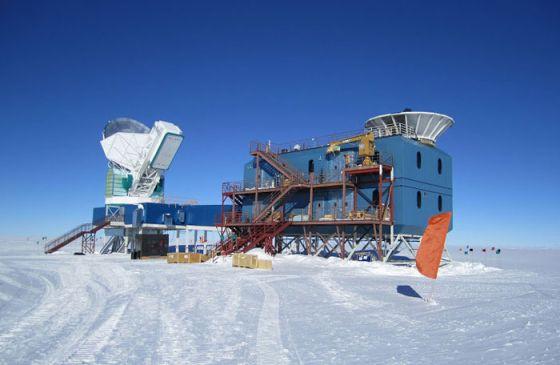 Instlaciones de la base Amundsen-Scott, en el polo Sur, donde está instalado el telescopio Bicep-3.