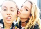 Miley Cyrus y Stella Maxwell ya no esconden su amor