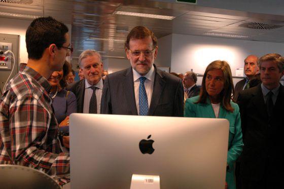 Mariano Rajoy durante su primera visita como presidente del Gobierno a un centro de investigación, celebrada en 2014