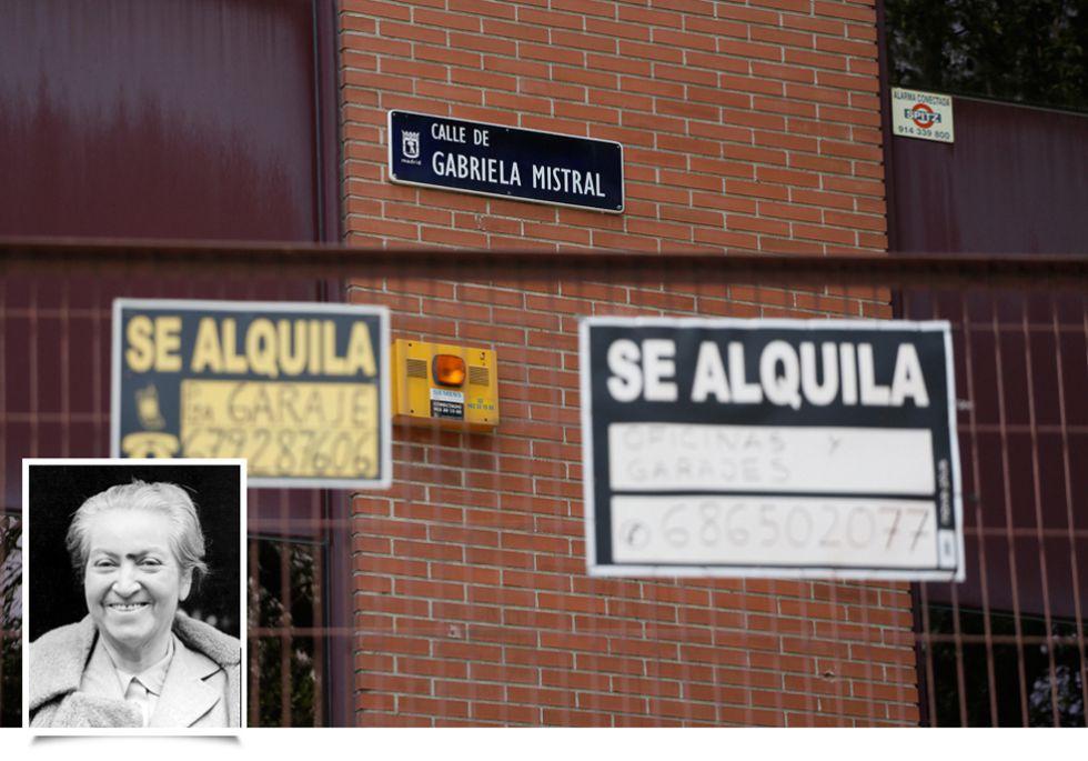 Fotos los escritores latinoamericanos grabados en las for Calle mistral
