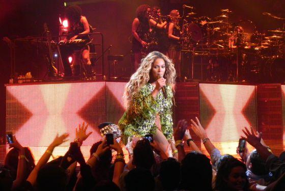 Beyoncé en Los Ángeles, Estados Unidos, en un concierto de la gira 'The Mrs. Carter Show'.