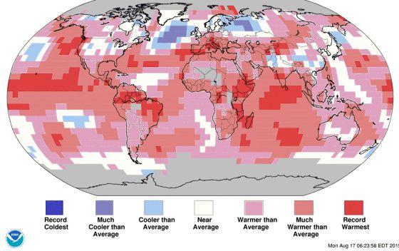 Mapa de las temperaturas del mes de julio. Los colores de la izquierda marcan un récord de frío, el blanco es la media y, a la derecha, el calor superior a la media.