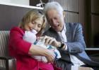 Hillary Clinton, la mejor niñera para su nieta