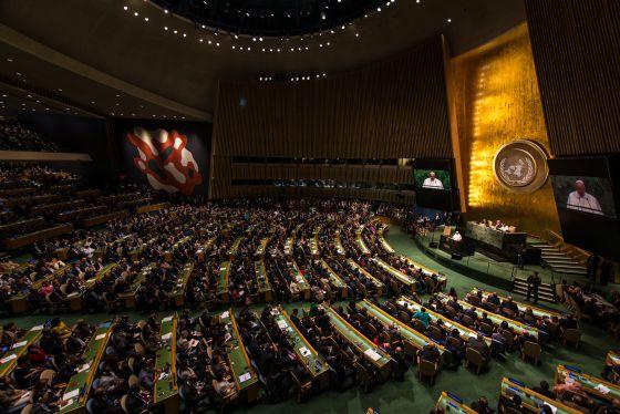 El Papa Francisco en la 70 Cumbre de Naciones Unidas en Nueva York, el día de la aprobación oficial de la nueva Agenda de Desarrollo 2030.