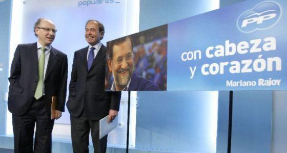 """Gabriel Elorriaga y Pío García Escudero presentan la campaña del PP """"con cabeza y corazón"""""""