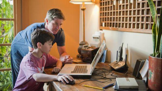 Los comportamientos que adquieren nuestros padres por el entorno los heredan los hijos