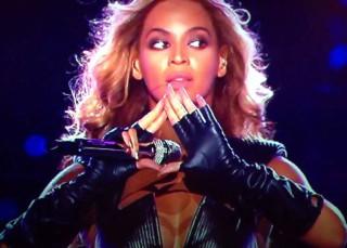Elvis está vivo y Beyoncé no es lo que parece