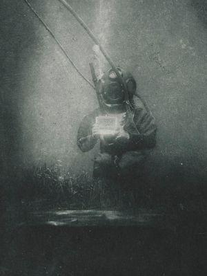 Primera fotografía subacuática, de 1899. Expuesta en