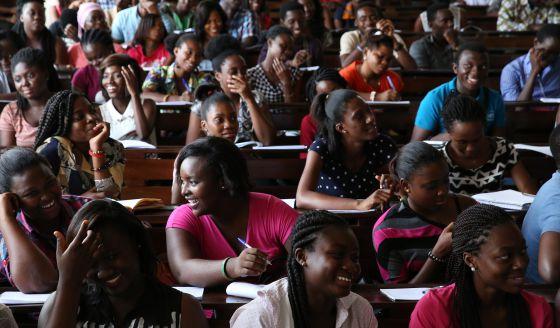Estudiantes de la Universidad de Ghana, en Accra