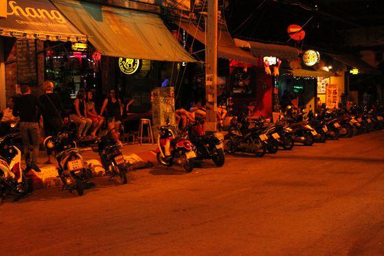 Muchas de las víctimas terminan en 'brothels' que copan las calles de Phonm Penh, Bangkok o Chiang Mai.
