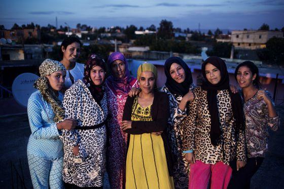 Foto de grupo de miembros de la asociación Mujeres Lideresas del Sector de los Frutos Rojos.