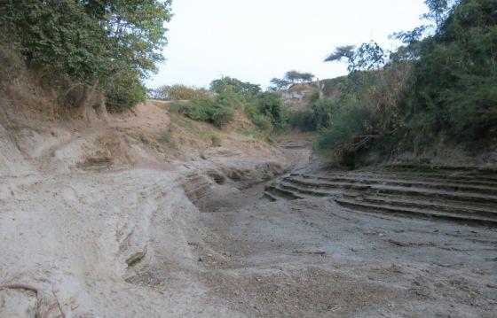 El río que atraviesa Meki iba cargado de agua hace dos meses. Ahora tan solo hay piedras