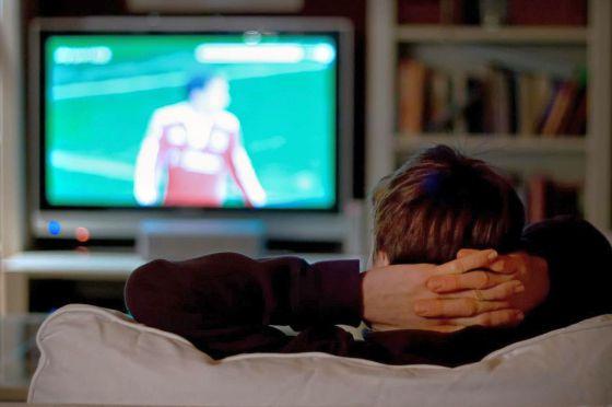 La vida sedentaria delante del televisor tiene muchos riesgos
